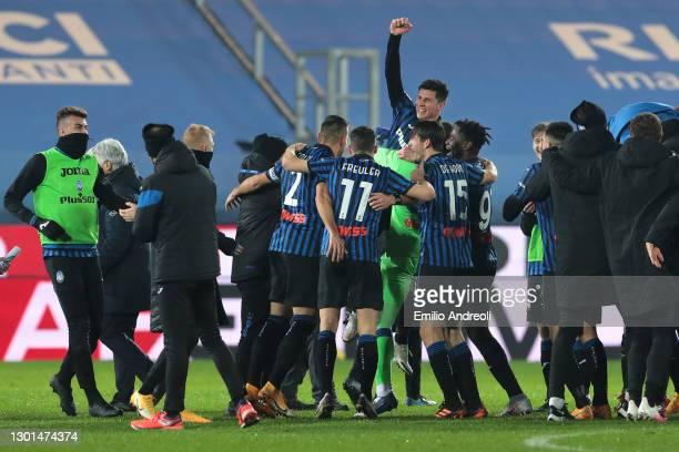 Matteo Pessina of Atalanta celebrates victory with team mates following the Coppa Italia match between Atalanta BC and SSC Napoli at Gewiss Stadium...