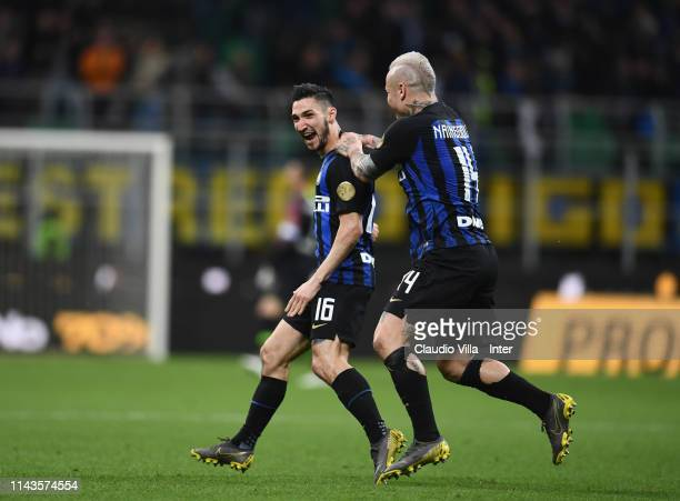 Matteo Politano of FC Internazionale celebrates after scoring the opening goa during the Serie A match between FC Internazionale and Chievo at Stadio...