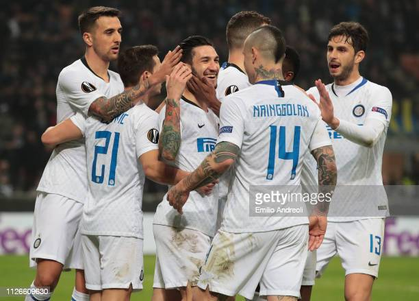 Matteo Politano of FC Internazionale celebrates his goal with his teammates during the UEFA Europa League Round of 32 Second Leg match between FC...