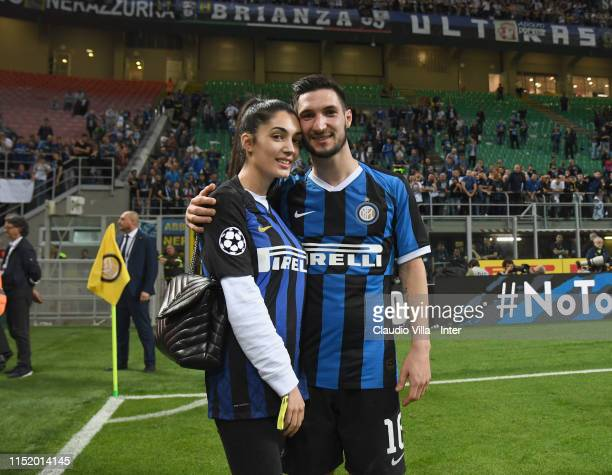 Matteo Politano of FC Internazionale celebrates with his wife at the end of the Serie A match between FC Internazionale and Empoli FC at Stadio...