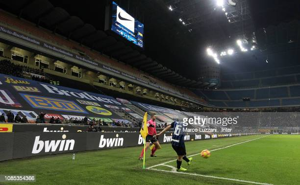 Matteo Politano of FC Internazionale in action during the Serie A match between FC Internazionale and US Sassuolo at Stadio Giuseppe Meazza on...
