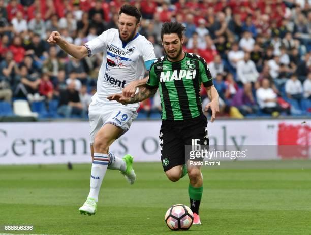Matteo Politano of Sassuolo and Vasco Regini of Sampdoria during the Serie A match between US Sassuolo and UC Sampdoria at Mapei Stadium Citta' del...