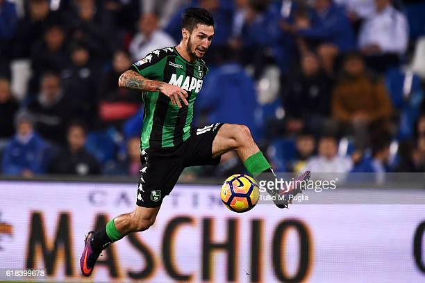 Matteo Politano of Sassuolo in action during the Serie A match between US Sassuolo and AS Roma at Mapei Stadium Citta' del Tricolore on October 26...