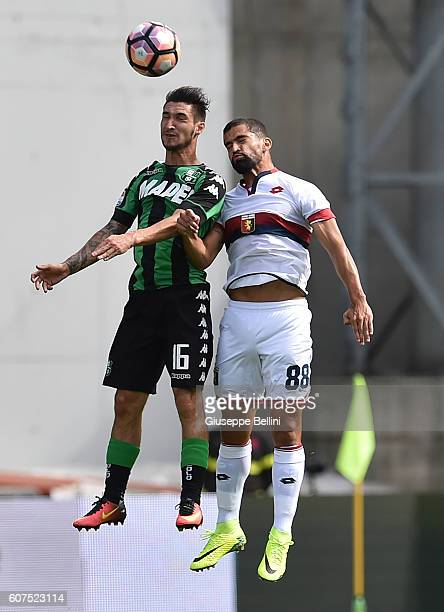 Matteo Politano of US Sassuolo and Tomas Rincon of Genoa CFC in action during the Serie A match between US Sassuolo and Genoa CFC at Mapei Stadium...