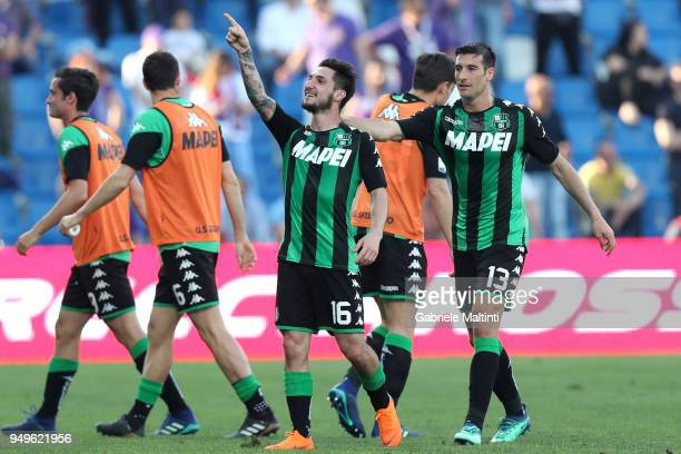 Matteo Politano of US Sassuolo Calcio celebrates after scoring a goal during the serie A match between US Sassuolo and ACF Fiorentina at Mapei...