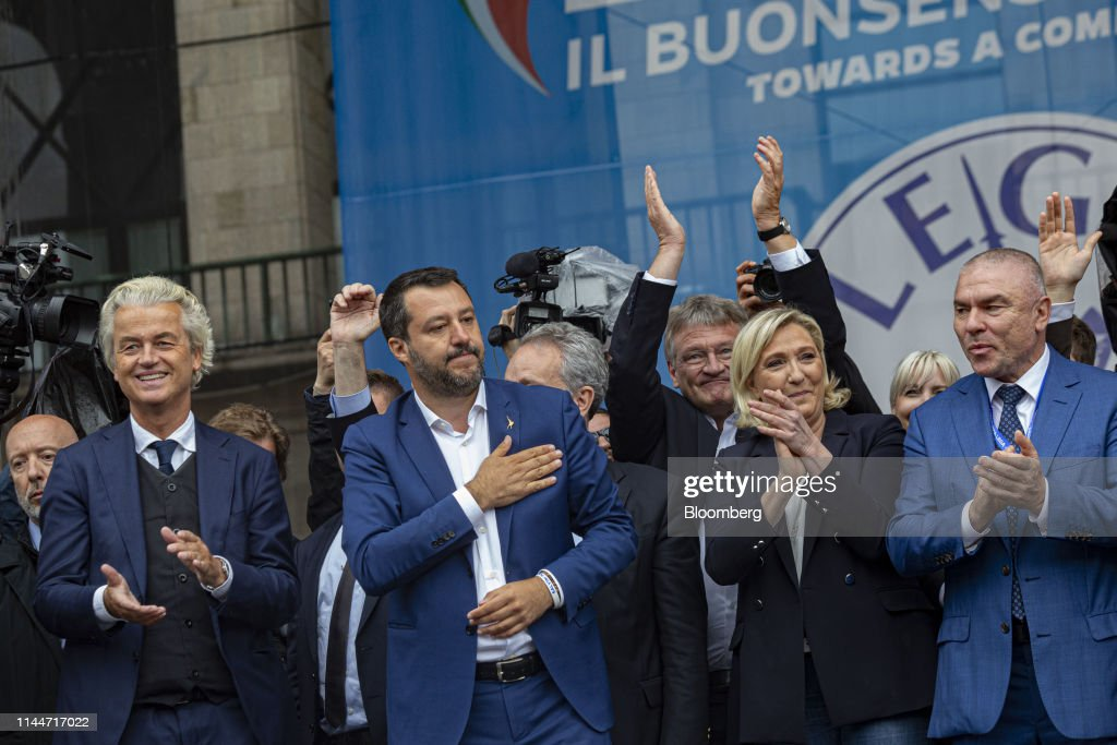 Italy's Deputy PM Matteo Salvini Campaigns Ahead Of EU Elections : ニュース写真