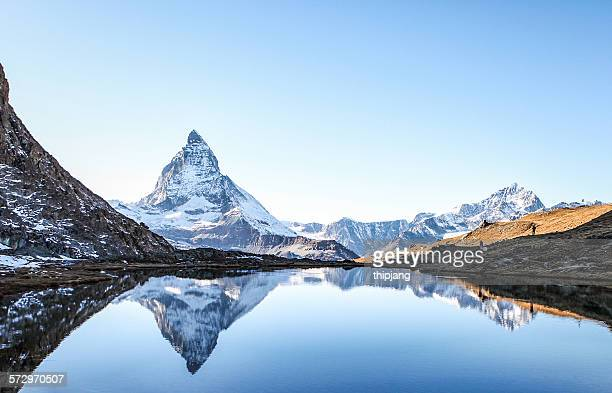 matterhorn reflection in stellisee - switzerland stock pictures, royalty-free photos & images