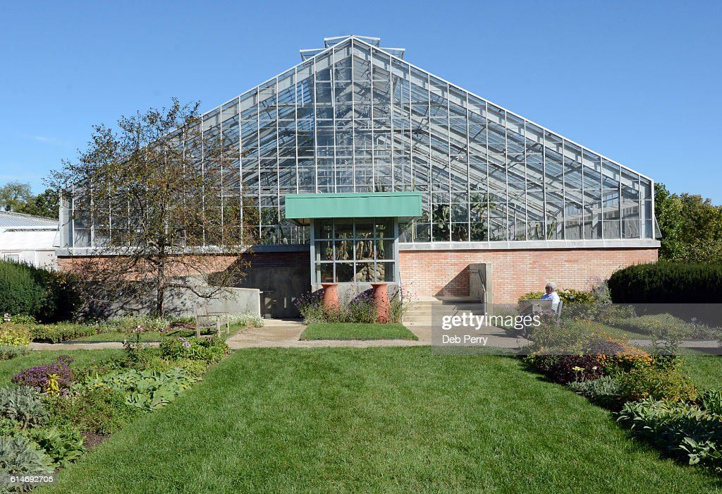 Matthaei Botanical Gardens And Nichols Arboretum At The University Of  Michigan : Stock Photo