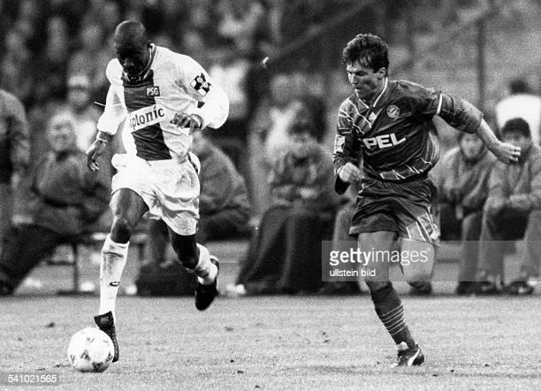 Matthaeus Lothar *Fussballspieler DSpieler der Nationalelf von 19802000Weltmeister 1990 Szene aus der UEFA Champions LeagueLaufduell mit Oumar Dieng...