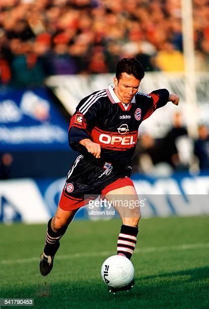 Matthaeus, Lothar *-Fussballspieler, DSpieler der Nationalelf von 1980-2000Weltmeister 1990- Ganzkoerperaufnahme, im Trikot des FC Bayern Muenchen,...