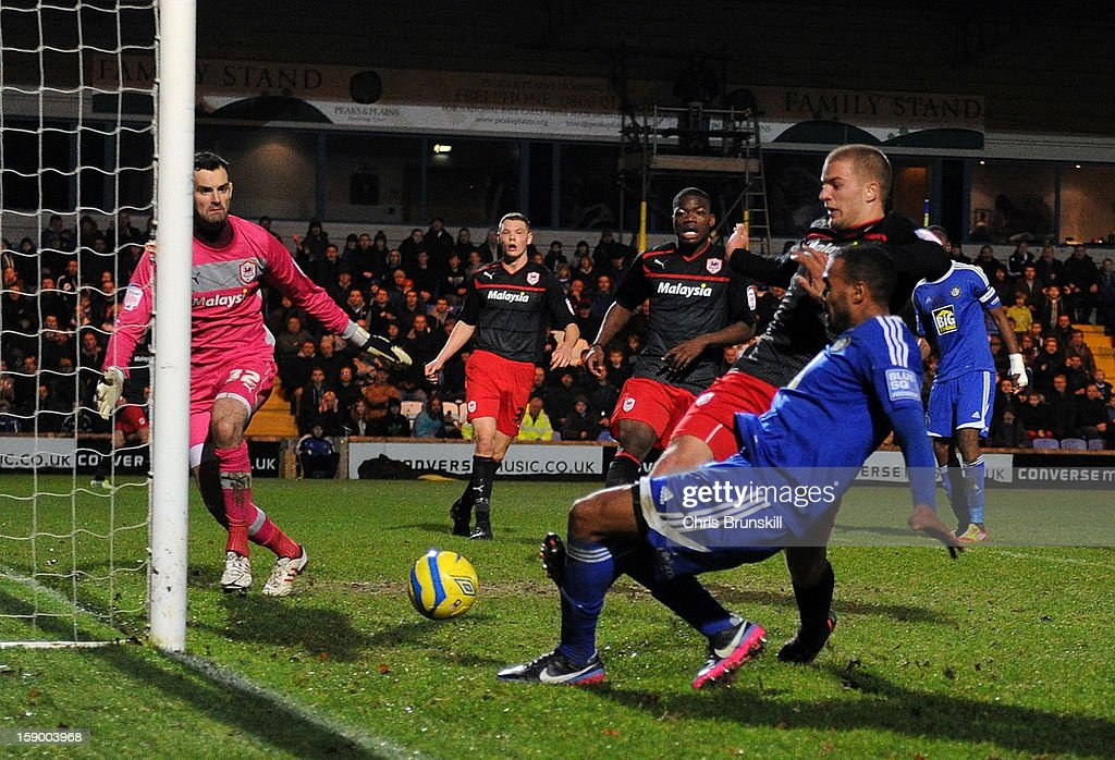 Macclesfield Town v Cardiff City - FA Cup Third Round : News Photo