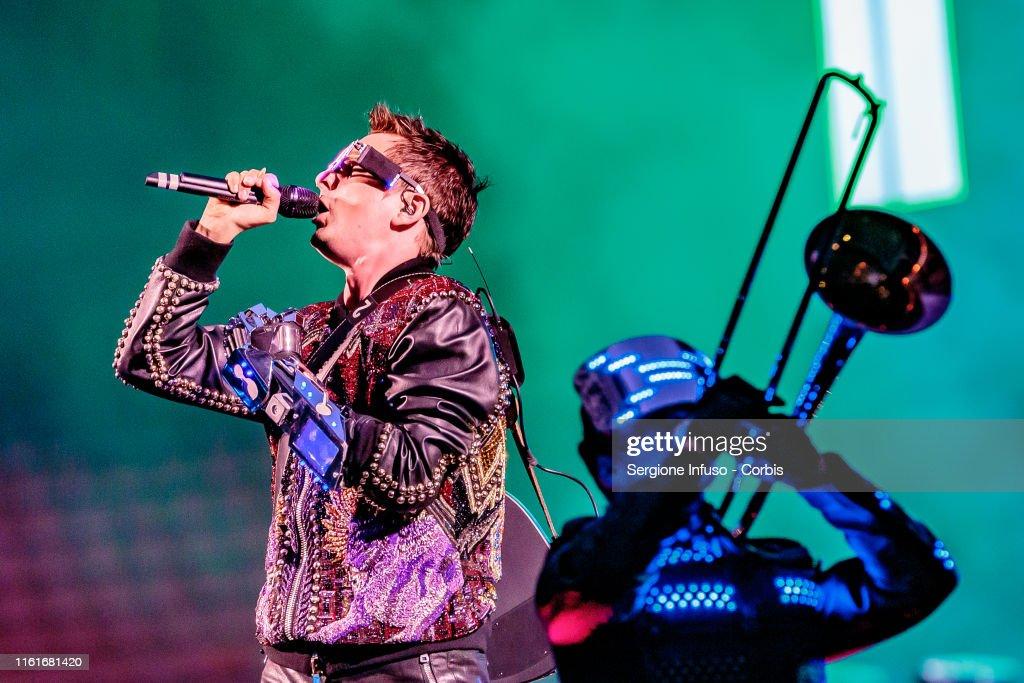 Muse Perform In Milan : Foto di attualità