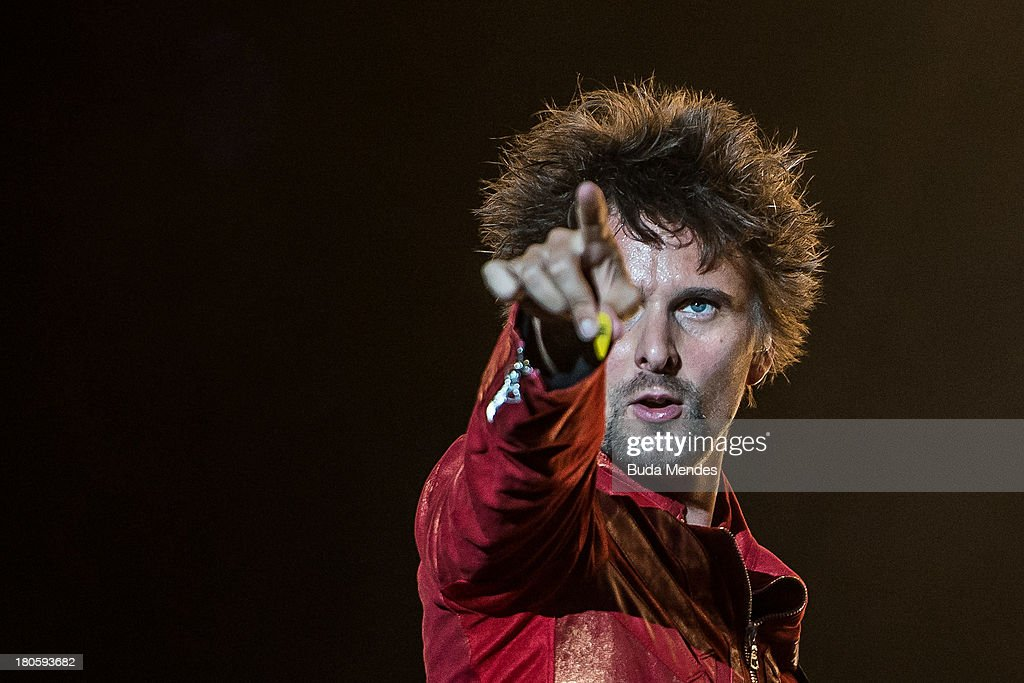 In focus muse photos and images getty images matthew bellamy of muse performs on stage during a concert in the rock in rio festival voltagebd Image collections