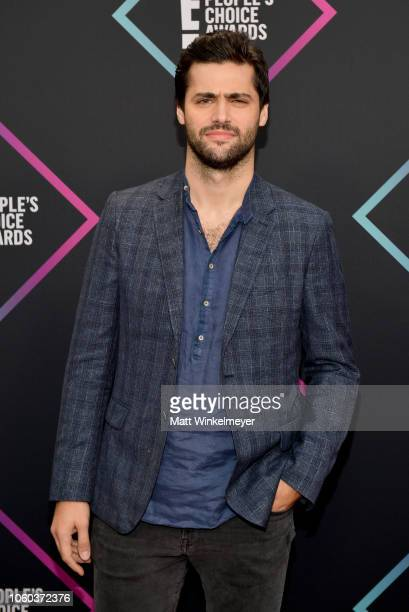 Matthew Daddario attends the People's Choice Awards 2018 at Barker Hangar on November 11 2018 in Santa Monica California