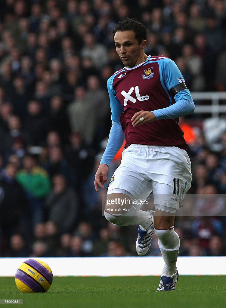 Matthew Etherington of West Ham in action during the Barclays Premier League match between West Ham United and Tottenham Hotspur at Upton Park on November 25, 2007 in London, England.