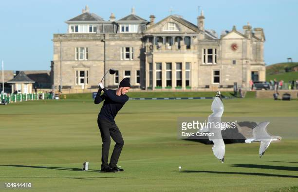 Matthew Goode the actor on the 18th tee as a pair of seagulls fly past during the first round of The Alfred Dunhill Links Championship at The Old...