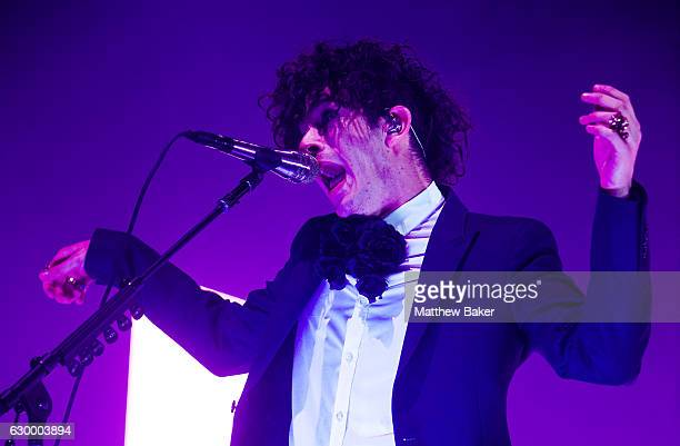 Matthew Healy of The 1975 performs on stage at the The O2 Arena on December 15 2016 in London England