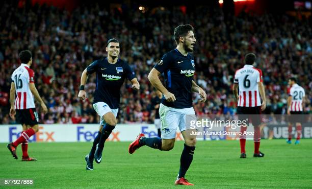 Matthew Leckie of Hertha BSC celebrates after scoring during the UEFA Europa League group J match between Athletic Bilbao and Hertha BSC at San Mames...