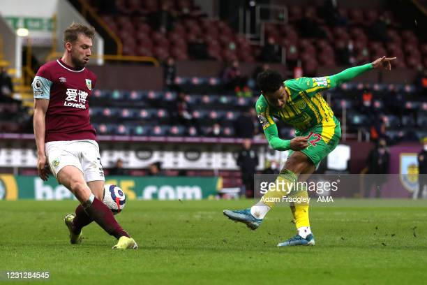 Matthew Lowton of Burnley blocks the shot at goal from Matheus Pereira of West Bromwich Albionduring the Premier League match between Burnley and...