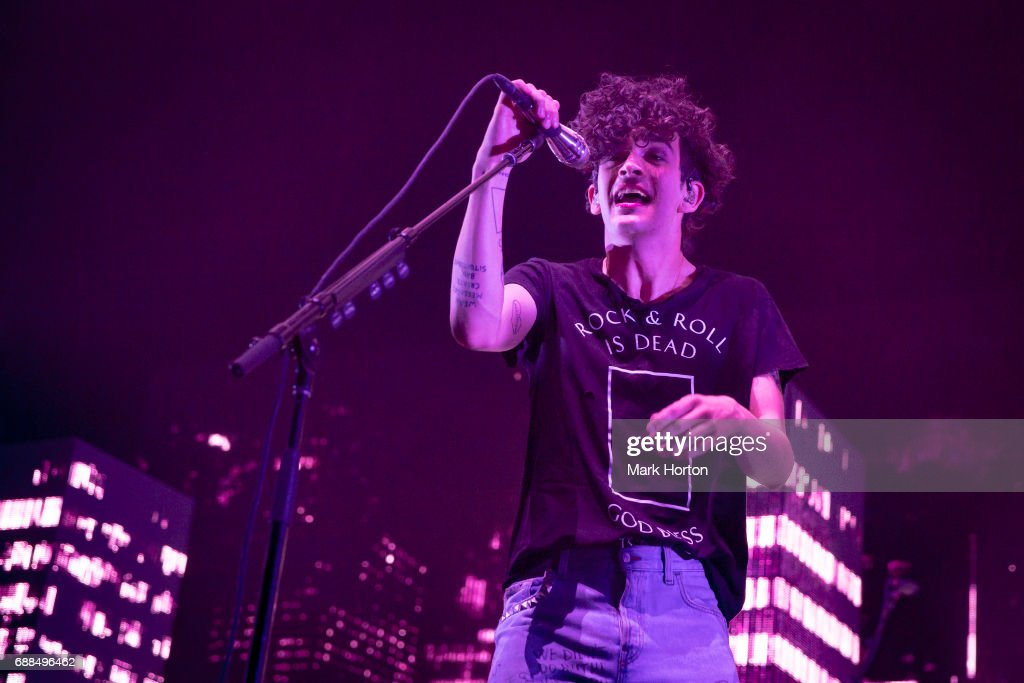 Matthew 'Matty' Healy of The 1975 performs at The Canadian Tire Centre on May 25, 2017 in Ottawa, Canada.