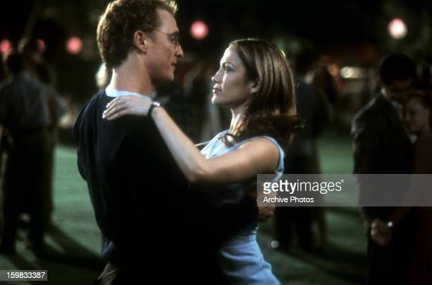 Matthew McConaughey dances with Jennifer Lopez in a scene from the film 'The Wedding Planner' 2001