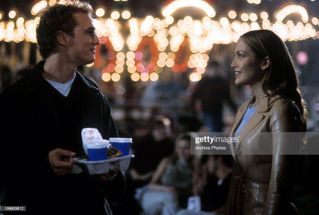 Matthew McConaughey And Jennifer Lopez In 'The Wedding Planner' : News Photo