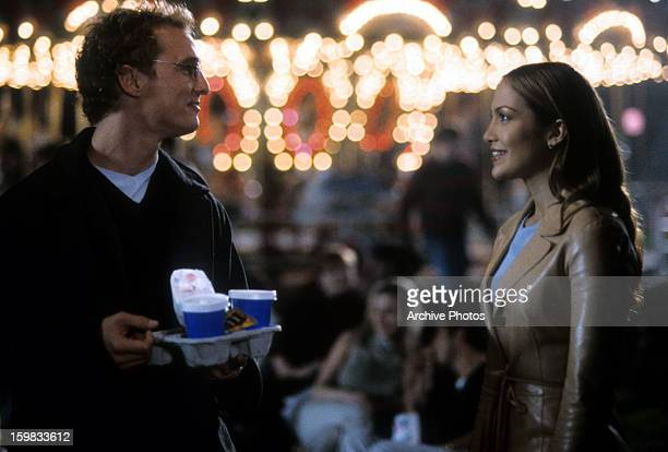 Matthew McConaughey looks to Jennifer Lopez in a scene from the film 'The Wedding Planner' 2001