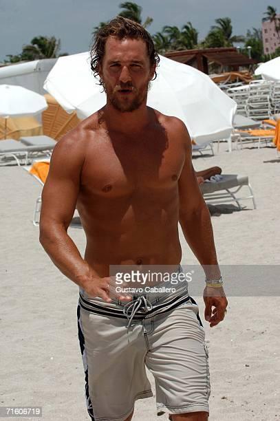 Matthew McConaughey walks on South Beach on August 8 2006 in Miami Beach Florida