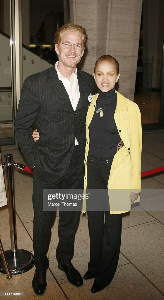 """New York Film Festival premiere of Miramax Films """"The Queen"""" - Arrivals : News Photo"""