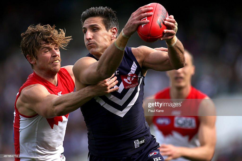 AFL 1st Qualifying Final - Fremantle v Sydney
