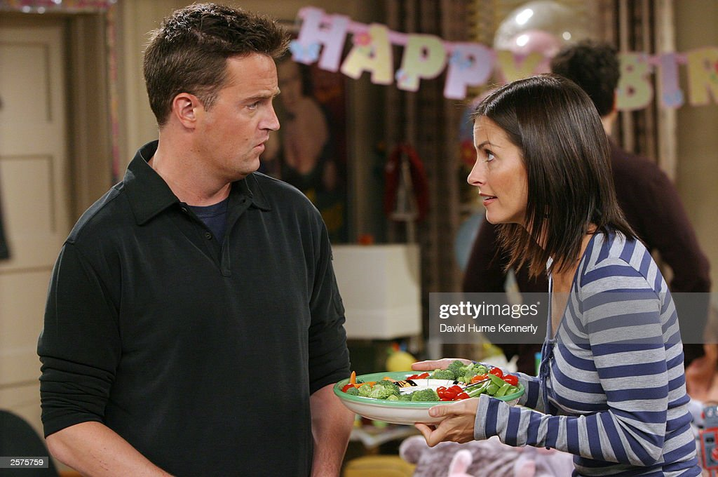 Matthew Perry and Courteney Cox Arquette perform on the hit NBC series 'Friends' during one of their last shows on the Warner Bros lot Sept. 12, 2003 in Burbank, CA. 'Friends,' which is in its ninth and final season, debuted in 1994, has won 44 Emmys, and is one of the biggest successes in television history. (Photo by David Hume Kennerly/Getty Images) This image is not included in any subscription deal. Use of this image will incur a charge.