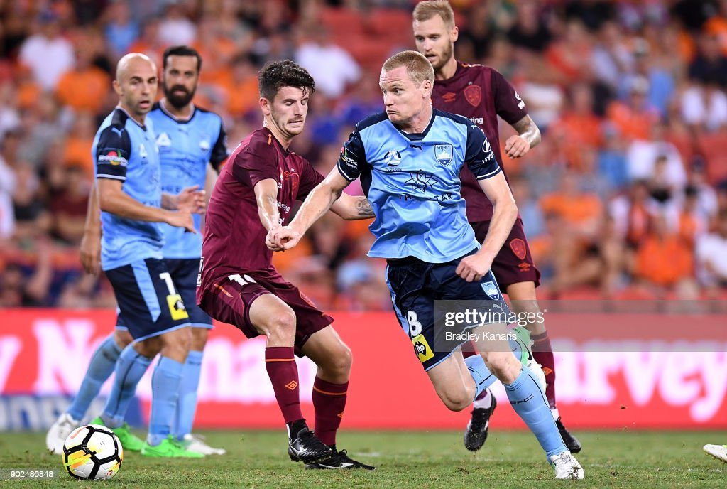 Matthew Simon of Sydney breaks away from the defence during the round 15 A-League match between the Brisbane Roar and Sydney FC at Suncorp Stadium on January 8, 2018 in Brisbane, Australia.