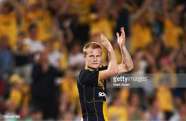 Matthew Simon of the Mariners thanks the crowd as he is replaced during the round 13 midweek ALeague match between the Central Coast Mariners and the...