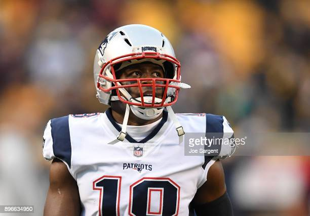 Matthew Slater of the New England Patriots warms up prior to the game against the Pittsburgh Steelers at Heinz Field on December 17 2017 in...