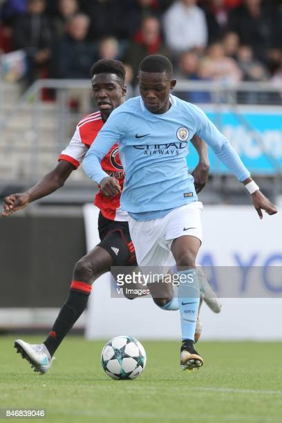 Matthew Smith of Manchester City U19 Alex Bangura of Feyenoord U19 during the UEFA Youth League match between Feyenoord Rotterdam U19 and Manchester...