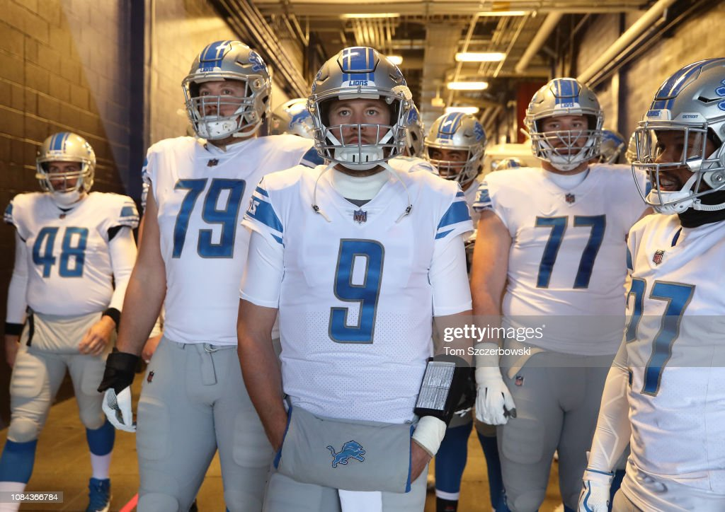 low priced 7a57c 19e8f Matthew Stafford of the Detroit Lions and Kenny Wiggins and ...