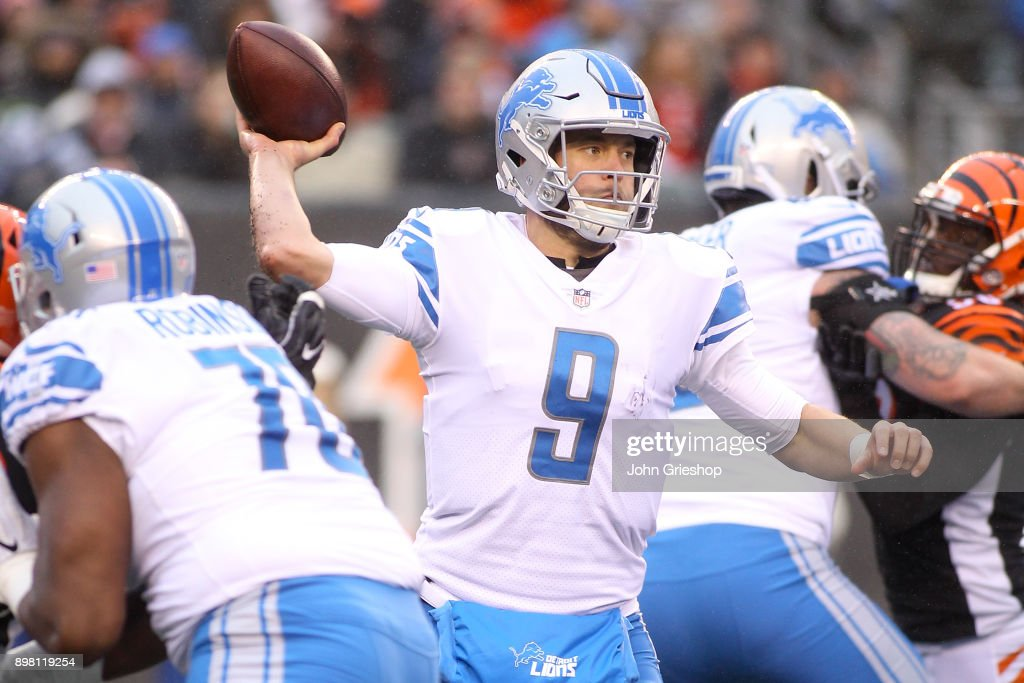 Matthew Stafford #9 of the Detroit Lions throws a pass against the Cincinnati Bengals during the second half at Paul Brown Stadium on December 24, 2017 in Cincinnati, Ohio.