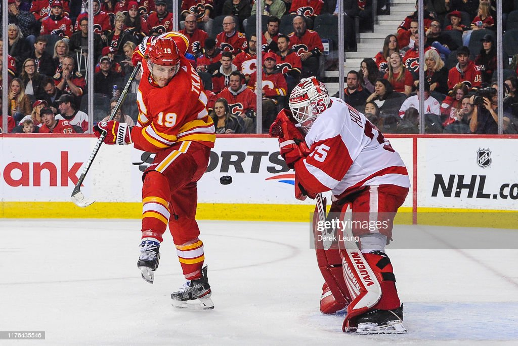 Detroit Red Wings v Calgary Flames : News Photo