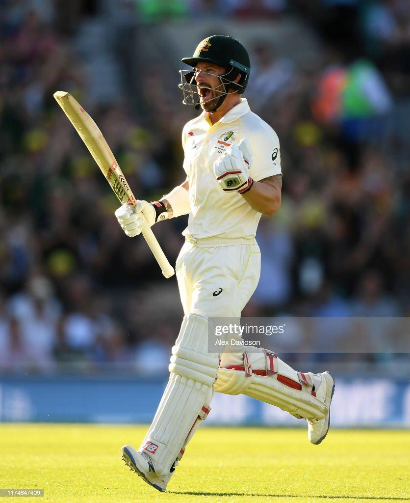 England v Australia - 5th Specsavers Ashes Test: Day Four : ニュース写真