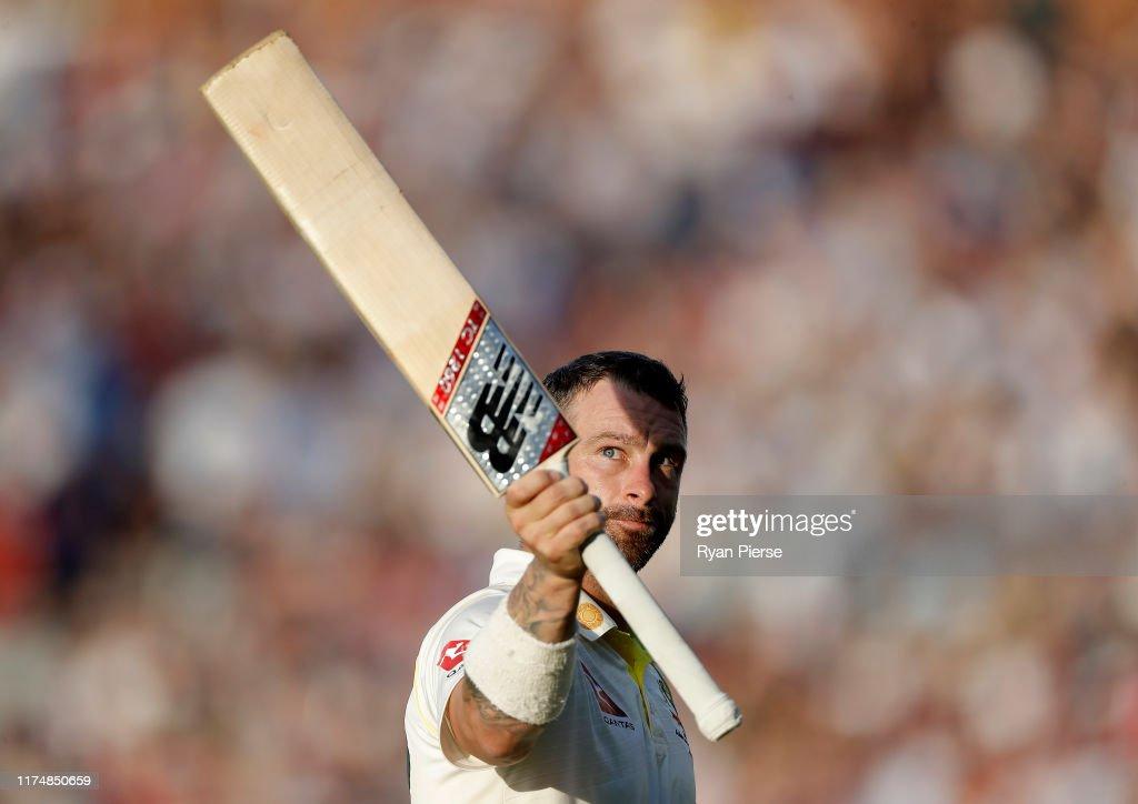 England v Australia - 5th Specsavers Ashes Test: Day Four : News Photo
