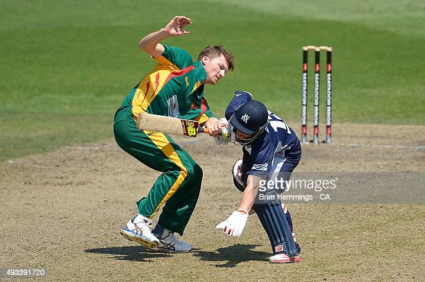 Matthew Wade of Victoria and Jackson Bird of Tasmania collide during the Matador BBQs One Day Cup match between Tasmania and Victoria at North Sydney...