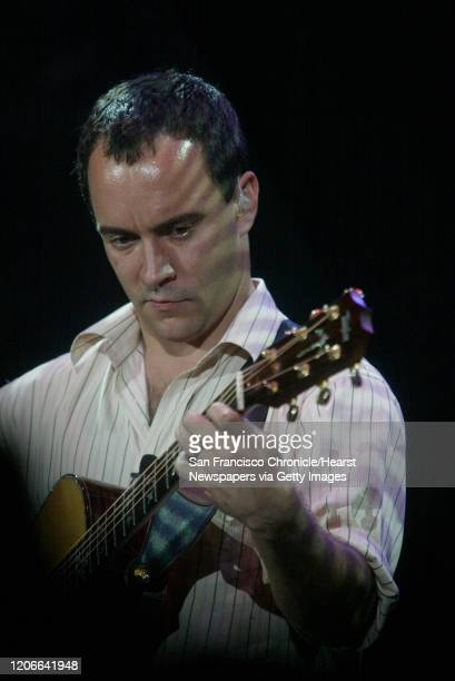 Matthews040042_mk.jpg ;Dave Matthews performs in front of a sold out crowd at the Shoreline Amphiteatre in Mountain View. ;8/1/03 in Mountain View....