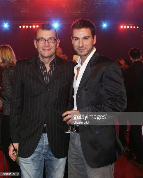 Matthias Freihof Schauspieler D mit seinem Freund Telmo Pieres bei der Verleihung des Queer Film Award