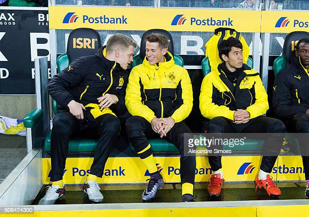 Matthias Ginter Erik Durm Shinji Kagawa and Adrian Ramos of Borussia Dortmund prior to the Bundesliga match between Borussia Moenchengladbach and...