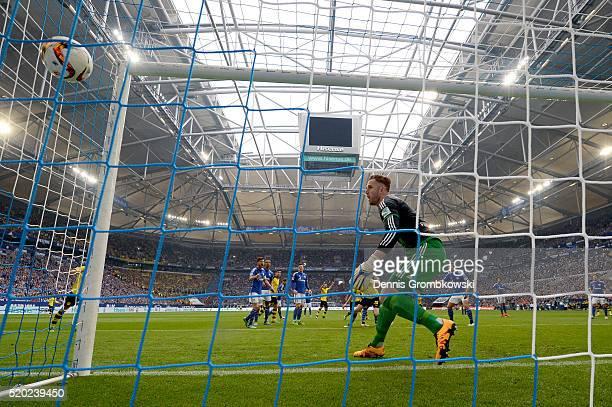 Matthias Ginter of Borussia Dortmund scores his team's second goal during the Bundesliga match between FC Schalke 04 and Borussia Dortmund at...