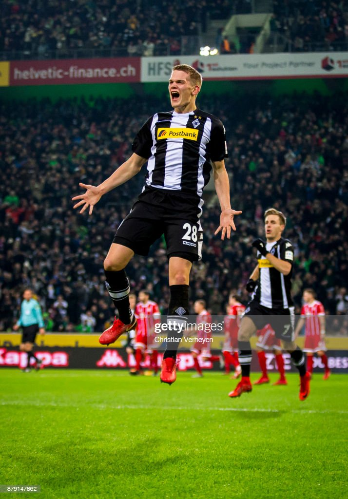 Matthias Ginter of Borussia Moenchengladbach celebrates after he scores his teams second goal during the Bundesliga match between Borussia Moenchengladbach and Bayern Muenchen at Borussia-Park on November 25, 2017 in Moenchengladbach, Germany.