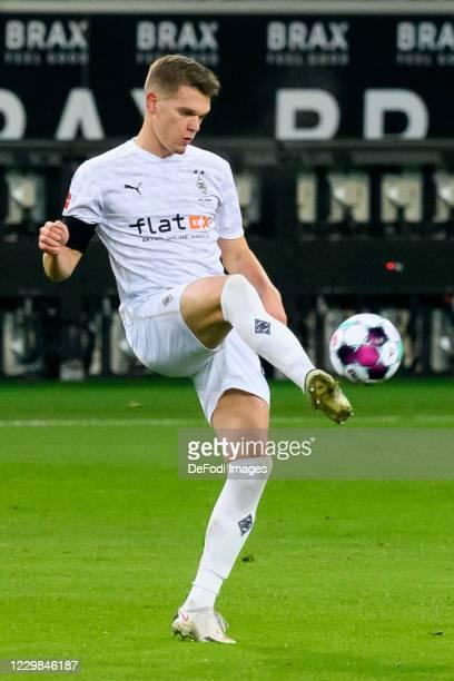 Matthias Ginter of Borussia Moenchengladbach controls the ball during the Bundesliga match between Borussia Moenchengladbach and FC Schalke 04 at...