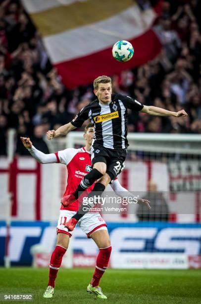 Matthias Ginter of Borussia Moenchengladbach during the Bundesliga match between 1 FSV Mainz 05 and Borussia Moenchengladbach at Opel Arena on April...