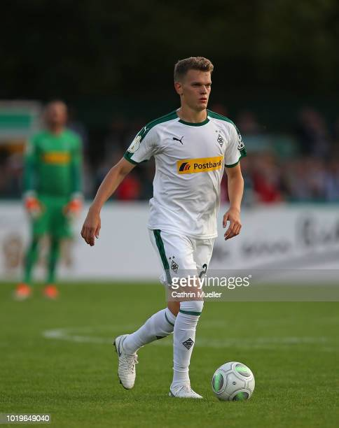 Matthias Ginter of Borussia Moenchengladbach in action during the DFB Cup first round match between BSC Hastedt and Borussia Moenchengladbach at...
