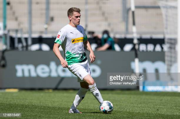 Matthias Ginter of Borussia Moenchengladbach in action during the Bundesliga match between Borussia Moenchengladbach and 1 FC Union Berlin at...